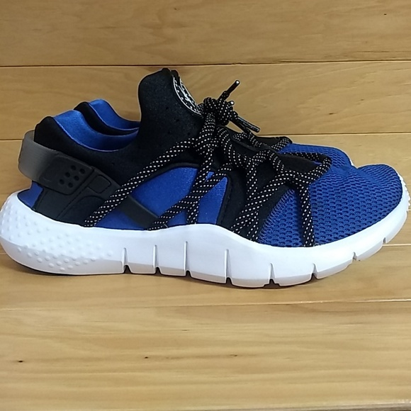 sports shoes e8726 dcd43 Nike Huarache NM Blue Black White 705159-402. M 5c44edbf03087c296158f4cc